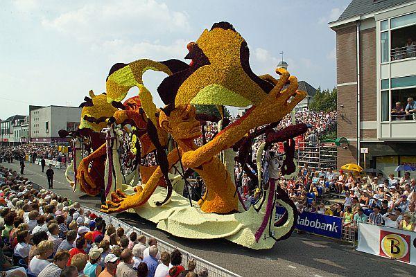 парад 2004 г.