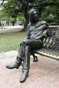 Статуя Джона Леннона