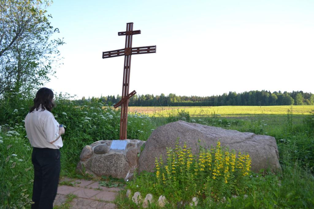 Крест на месте храма Николы