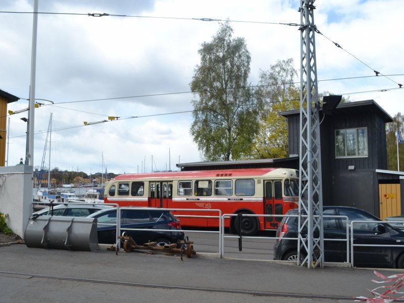 древний автобус