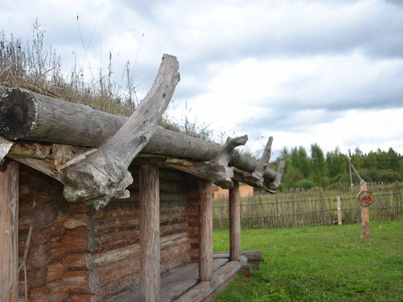 Славянская хижина Х век